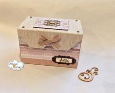 Elegante #caja hecha de #cartonaje para guardar tus mejores fotos o recuerdos #CreandoAmoresLive