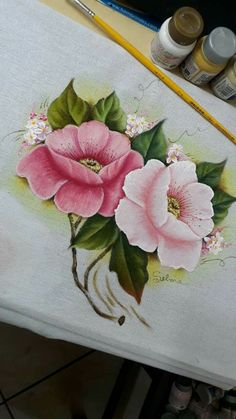 Fabric Painting: 75 Flower Templates + Free Scratches Lifestyles, lifestyles and quality of life The interdependencies and networks developed by … Acrylic Painting Lessons, One Stroke Painting, Tole Painting, Fabric Painting, Diy Painting, Painting Techniques, Art Floral, Diy Canvas, Canvas Art
