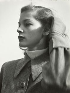 Lauren Bacall, photograph Hermann Langhoff via art-magazin.de