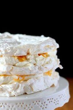 Perfect meringue that always comes out - kulinarne - Dessert Pavlova Cake, Cookie Recipes, Dessert Recipes, Banana Pudding Recipes, Polish Recipes, Homemade Cakes, Amazing Cakes, Sweet Recipes, Food To Make