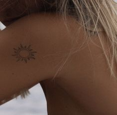Boho Tattoos, Dainty Tattoos, Pretty Tattoos, Body Art Tattoos, Tatoos, Beach Tattoos, Tiny Tattoos For Girls, Little Tattoos, Tattoos For Women