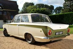 Lotus Cortina – Family Car Turned Into a Racing Beast! Classic Cars British, Ford Classic Cars, British Car, British Sports, Ford Lincoln Mercury, Retro Cars, Vintage Cars, 70s Cars, Car Photos