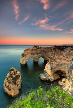 Algarve, Portugal by Alvaro Roxo    http://portugalmelhordestino.pt/fotos_concurso/c162e1e47e972a715dcb539f0f71eb4d.jpg