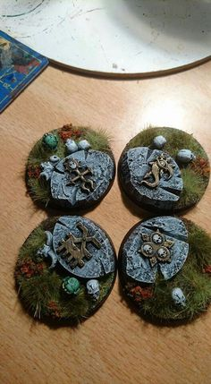 Bases chaos theme - Guessing, some cork and GW bits. Good results. They look like Frostgrave treasure markers... or decoration in the floor of a dungeon!