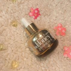 Review of the Miss Flower & Mr Honey Essence Oil from Banilaco, which is perfect for dry skin and winter. Smells of honey fields, full review inside.