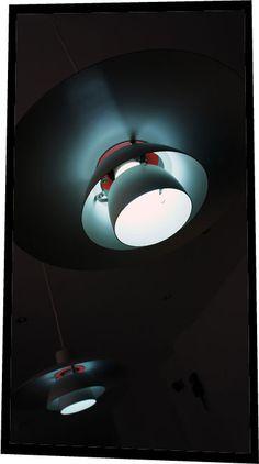 Louis Poulsen PH 4/3 lamp. Poul  Henningsen design.  www.nitelshop.com