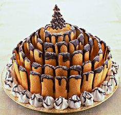 Italian bakery item to make - would have to look up the translations but looks like you could figure it out - cookies and dipping in chocolate! Torta di Natale dello chef - Tutte le ricette dalla A alla Z - Cucina Naturale - Ricette, Menu, Diete Xmas Food, Christmas Sweets, Christmas Cooking, Sweet Recipes, Cake Recipes, Dessert Recipes, Mini Desserts, Just Desserts, Cupcakes