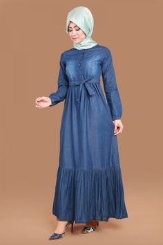 Aktif Düğmeli Kot Elbise Koyu Kot Ürün kodu: ZRD1228 --> 89.90 TL Abaya Fashion, Denim Fashion, Modest Fashion, Modest Dresses, Stylish Dresses, Pretty Dresses, Frock Dress, Hijab Dress, Denim Maxi Dress