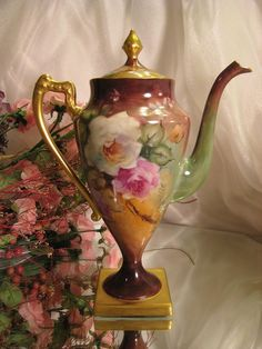 Limoges Chocolate Pot Mold: Antique hand painted Chocolate / Coffee / Tea pot from France; Victorian period heirloom, circa 1890 by Hercio Dias Antique Dishes, Vintage Dishes, Chocolate Pots, Chocolate Coffee, Vintage Coffee, Vintage Tea, Teapots And Cups, Teacups, Le Far West