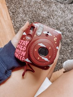 Polaroid Instax Mini, Instax Mini 8, Fujifilm Instax Mini, Camera Painting, Camera Art, Cute Camera, Vintage Polaroid Kamera, Whats Wallpaper, Aesthetic Painting