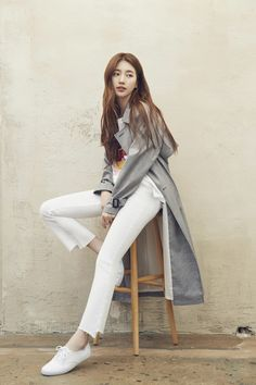 Suzy (수지) is a South Korean actress and solo singer under Management SOOP. Suzy debuted as a member of MissA in March 2010 under JYP En. Bae Suzy, Kpop Fashion, Fashion Outfits, Womens Fashion, Korean Street Fashion, Korean Celebrities, Korean Actresses, Beautiful Asian Girls, Kpop Girls