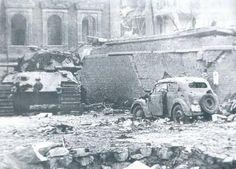 King Tiger of Schwere SS-Panzer-Abteilung Potsdamer Platz Berlin 1945 2 Tiger Ii, Berlin 1945, Berlin Germany, Ww2 Photos, Album Photos, Tiger Tank, Ww2 Tanks, World Of Tanks, Armored Vehicles