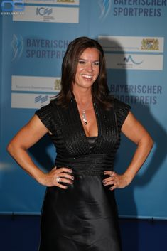 Nude pictures of Katarina Witt Uncensored sex scene and naked photos leaked. Katarina Witt, Hot Figure Skaters, Figure Skating, Curvy Women Outfits, Clothes For Women, Olympia, Playboy, Lacey Chabert, German Women