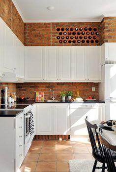 Bygga in förvaring för vinflaskor i köksväggen? 15 små detaljer som kommer få ditt kök att sticka ut - Sköna hem