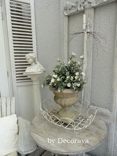 Beautiful flowers on the porch,,, By Decoraya