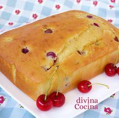 Puedes preparar esta sencilla receta de bizcocho de cerezas con otras frutas como fresas, moras, o cualquier fruto rojo a tu gusto.