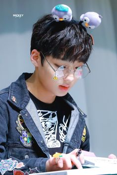 jiseong Ji Sung, Minho, Kpop Boy, Nct, Champion, Babies, Wallpaper, Celebrities, Amor