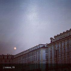#Torino raccontata dai cittadini per #InTO Foto di @cesco_78Luna sulla città