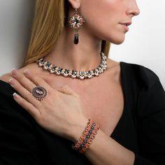 Parure Peach and Grey durante uno  shooting a @HomiMilano. #raffaelladeangeli #prodottounico #fattoamano #artigianatoartistico #artigianiitaliani #madeinitaly #gioielli #gioiellifattiamano #gioiellidaviaggio #bijoux #collana #orecchini #bracciale #anello #jewelry #artjewelry #necklace #earrings #bracelet #ring #accessory #woman #fotoinstudio Lotus Jewelry, Handmade Jewelry, Earrings, Fashion, Ear Rings, Artists, Moda, Stud Earrings, Fashion Styles