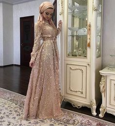 Les 400 Meilleures Images De Robe Soiree Hijab En 2020 Robe Soiree Hijab Robe Robe D Interieur