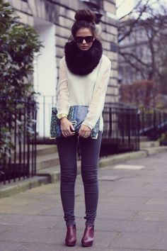 Jumper: H Trend, Jeans: Topshop, Clutch c/o ASOS, Boots: Topshop, Watch: Michael Kors, Sunglasses c/o ASOS  Photos: Nick McWhinnie