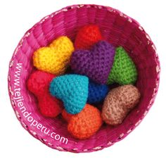 Tutorial: corazones tejidos a crochet (amigurumi)  Están tejidos todo con medio puntos o puntos bajos...