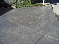 Stamped concrete patterns driveway ideas - The simplest interior design approach is painting the walls. Walls get dirty after a while and need a brand new coat of paint. Poured Concrete Patio, Stamped Concrete Driveway, Concrete Patio Designs, Cement Patio, Concrete Driveways, Stained Concrete, Walkways, Concrete Stain Colors, Concrete Texture