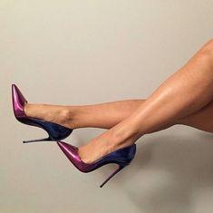 Just a collection of sexy girls wearing sexy heels, plus some hidden pics snapped at random girls wearing heels on the street High Heel Pumps, Pumps Heels, Stiletto Heels, Sexy Legs And Heels, Killer Heels, Fashion Mode, Gold Heels, Women's Feet, Stilettos