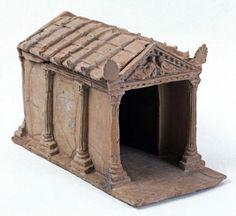 Modellino votivo di tempio etrusco, III secolo a.C. Terracotta. Da Vulci, Viterbo. Roma, Museo Nazionale di Villa Giulia.