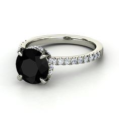 Stunning. My next wedding ring will b something beautiful and different like this.