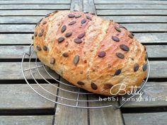Tökmagos rozsos kenyér Baked Potato, Potatoes, Bread, Baking, Ethnic Recipes, Food, Bakken, Eten, Potato