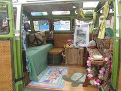 Kombi Hippie, Hippie Camper, Volkswagen Interior, Campervan Interior, Ideas Habitaciones, Kombi Home, Casas Containers, Vw Vintage, Vintage Campers