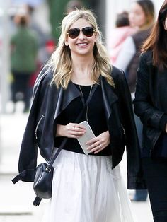 Star Tracks: Thursday, January 14, 2016 | SPRING IN HER STEP | Sarah Michelle Gellar takes it easy on Wednesday as she walks through Brentwood, California.