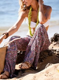 So obsessed with loose, resort-style pants for spring and cool summer nights