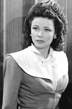 Gene Tierney in Rings on her Fingers (1942)