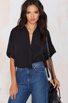 The Fifth Hold On Crop Shirt has that laid back summer feel with a buttoned up look. Crop Shirt, Shirt Blouses, Shirts, Tilda Lindstam, New Outfits, Fashion Outfits, Women's Fashion, Fall Skirts, Models Off Duty