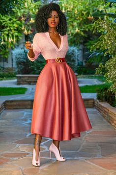 V-Neck Sweater + Blush Mesh Midi Skirt (Style Pantry) Lila Outfits, Mode Outfits, Skirt Outfits, Classy Outfits, Chic Outfits, African Fashion Dresses, African Dress, Look Fashion, Women's Fashion