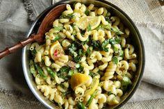 Lemony Asparagus Pasta