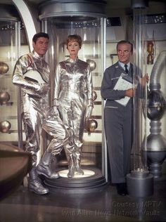 'Lost in Space' Guy Williams, June Lockhart, Jonathan Harris circa 1965 © 2009 Space Productions ** I. Space Tv Series, Space Tv Shows, June Lockhart, Jonathan Harris, Sci Fi Series, Drama Series, Fritz Lang, Sci Fi Shows, Sci Fi Tv