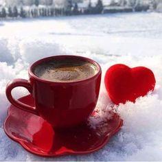 Cold heart and hot coffee Coffee Vs Tea, Coffee Is Life, I Love Coffee, Coffee Cafe, Coffee Drinks, Coffee Mugs, Coffee Lovers, Chocolate Caliente, Tea And Books