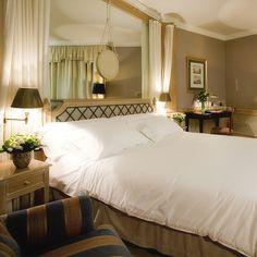 El Hotel Palafox se encuentra en el centro de Zaragoza, en plena zona comercial del núcleo urbano, en un ambiente tranquilo y sin tráfico. Destaca por su cuidado diseño de interiores, a cargo del estudio de Pascua Ortega. ¿Qué es lo que más te gusta de este hotel?