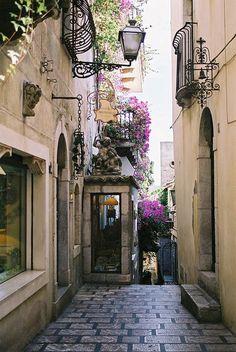 Taormina, Sicily, Italy. Image via: https://www.pinterest.com/pin/104919866295756822/