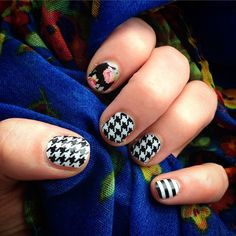 New #Jamicure  Feeling bold with black and whites! #SweetNothingJN #BlackWhiteHoundstoothJN #BlackWhiteStripeJN #Jamberrynails #nails #nailsofinstagram #manicure #mani #fashion #houndstooth www.phd.jamberrynails.net #opportunity #freesample