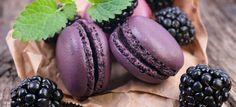 Ricetta Macarons alle more una delle migliori ricette Macarons della cucina francese. Il livello di difficoltà è difficile.