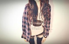 plaid shirt with a T-shirt underneath, shorts and leggings = weekend outfit