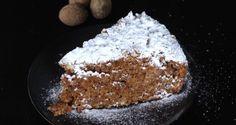 Η φανουρόπιτα σε γλυκαίνει όσο επικαλείται τον Άγιο να φανερώσει τα κρυφά και τ' αξημέρωτα, λένε οι ... Fashion Cakes, Group Meals, Sweet And Salty, Greek Recipes, Bon Appetit, Cravings, Muffins, Good Food, Cake Style