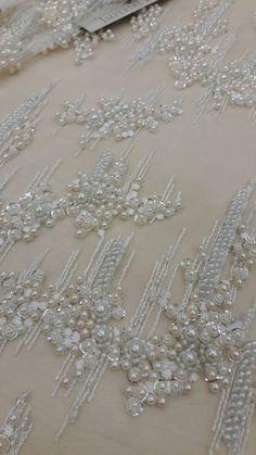 Ivory de encaje tela abalorios de lujo encaje 3D de la mano