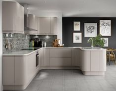 Create a sleek and modern look to your home with our Holborn Gloss Cashmere kitchen. Find out more and contact your nearest branch >> Benchmarx Kitchen, Kitchen Units, Home Decor Kitchen, Kitchen Flooring, Home Kitchens, Kitchen Layouts, Kitchen Modern, Vintage Kitchen, Kitchen Ideas