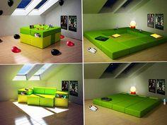 Quantos usos diferentes um único móvel pode ter? Mostramos vários modelos diferentes no TreeHugger, mas poucos apresentaram tantas variações como o Mutiplo, dos designers italianos do estúdio HeyTeam. Ele é um sofá, uma mesa, uma cadeira e uma sala de estar.  E pode até formar uma suíte completa.