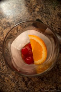 Wisconsin's version of the Old Fashioned cocktail, the brandy old fashioned! It can be sweet or sour but it's a simple recipe either way. Brandy Old Fashioned, Old Fashioned Drink, Old Fashioned Glass, Old Fashioned Recipes, Old Fashioned Cocktail, Brandy Old Fashion Recipe, Old Fashion Drink Recipe, Alcoholic Drinks, Beverages